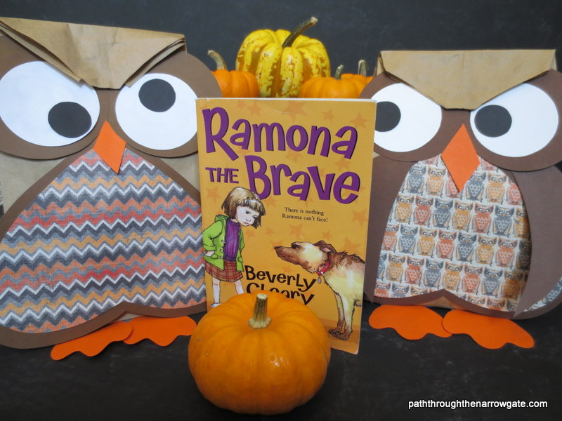 Are you looking for a great fall craft/book pairing? Try making these easy and adorable paper bag owls while reading Ramona the Brave by Beverly Cleary.