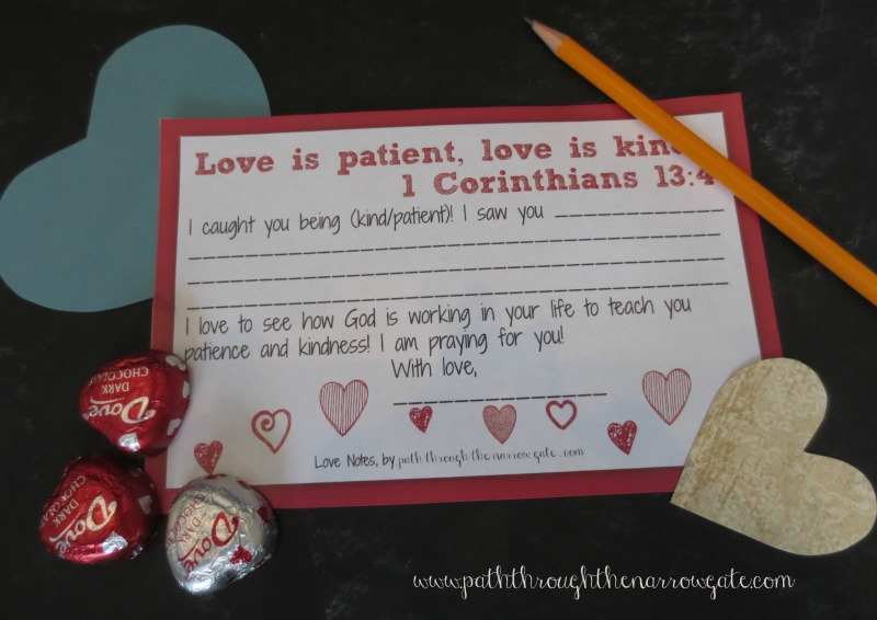 This post contains free printable love notes with verses for parents to customize and use with their own kids. These are so cute and such a great way to teach kids about God's love.